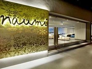 Naumi