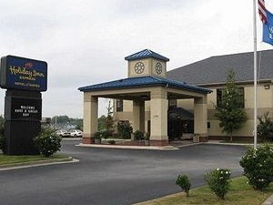 Hiram Inn and Suites