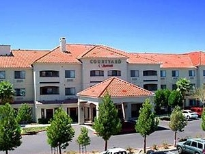 Courtyard By Marriott Palmdale