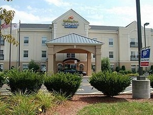 Holiday Inn Express North Brunswick