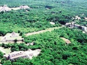 Hotel and Bungalows Mayaland