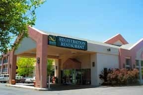 Quality Inn and Suites Canyon Plaza