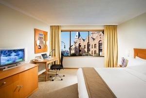 Old Sydney Holiday Inn