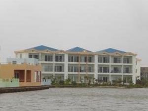 Reef Village
