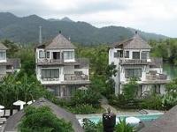Aana Resort and Spa