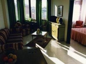 Camparan Suites