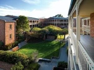 Medina Classic Canberra