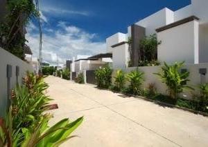 Seastone Pool Villa