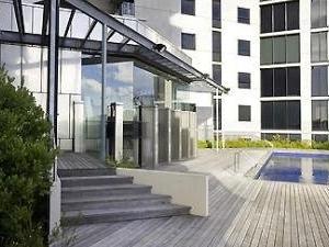Grand Mercure Apartments Docklands