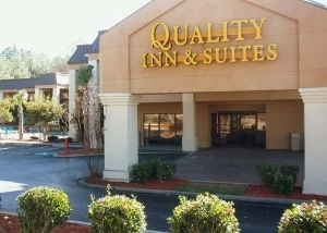 Quality Inn And Suites At Six