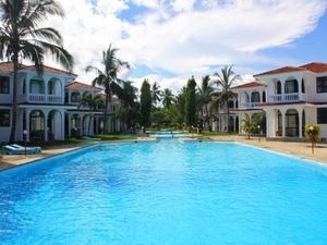 Bahari Dhow Beach Villas