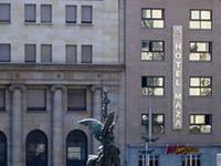 Insignia Hotel Maza