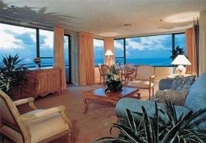 Alexander All Suite Oceanfront