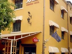 Monte Kristo Hotel