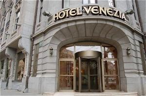Venezia Hotel Buch