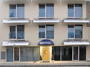 Alexanders Hotel