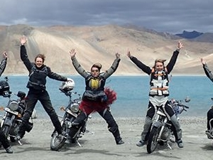 4 Lakes 12 Pass of Ladakh Bike & Jeep Tour Photos