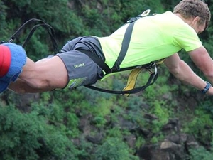 Bunji Jump on the Victoria Falls Bridge Fotos
