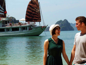 One Cabin Private Cruise to Visit Halong Bay Photos