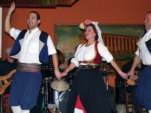 Athens Night Sightseeing Tour with Greek Dinner Show Photos