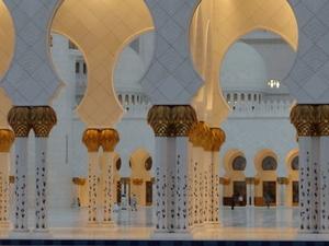 Abu Dhabi Hop-On Hop-Off Tour Including Yas Island and Sky Tower Photos