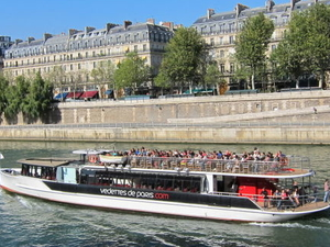 Champagne Tasting on a Seine River Cruise Photos