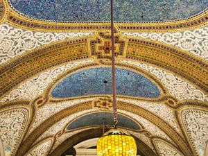 Chicago Walking Tour: Tiffany Art Glass Landmarks Photos