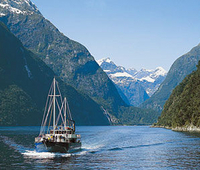 Milford Sound Full-Day Tour from Queenstown including Helicopter Flight Photos