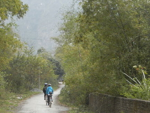Small-Group Vietnamese Countryside Tour by Bike and Boat from Hanoi Photos