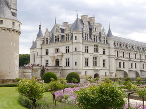 Loire Valley Castles Day Trip: Chambord, Cheverny and Chenonceau Photos