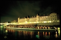 Seine River Cruise: Bateaux Parisiens Sightseeing Cruise with Dinner and Live Music Photos