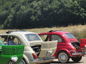 Self-Drive Vintage Fiat 500 Tour from Florence: Tuscan Villa and Picnic Lunch Photos