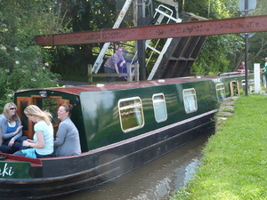 3-Day Narrowboat Adventure from the Peak District to Manchester Photos
