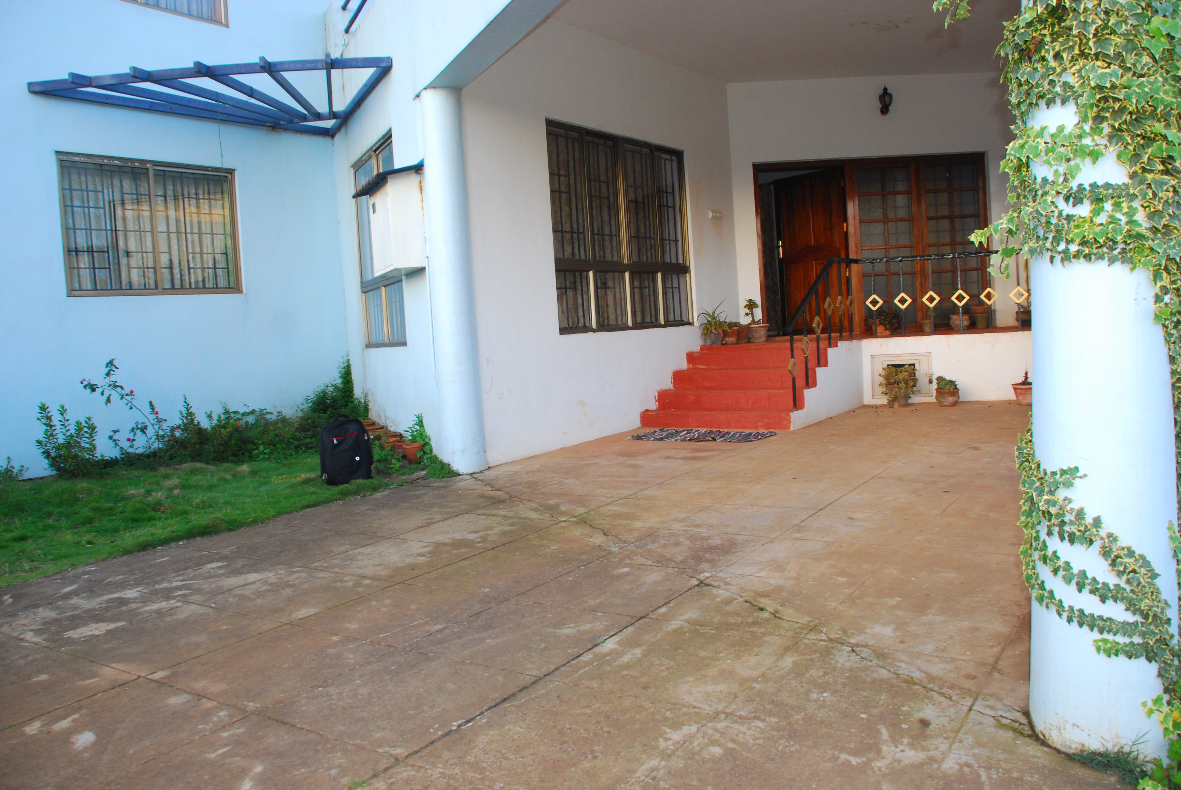 Evergreen cottage ooty ooty india tourist information for Evergreen cottage