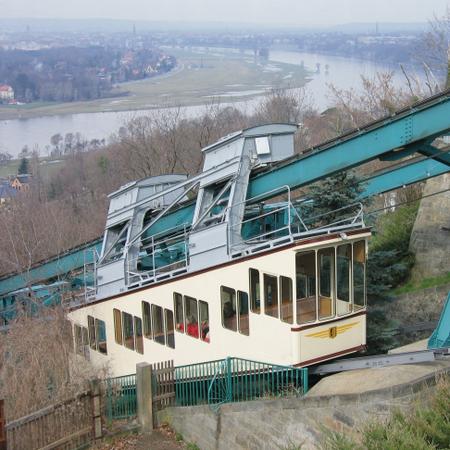 Wuppertal schwebebahn wuppertal germany tourist information for Hotel barmen wuppertal