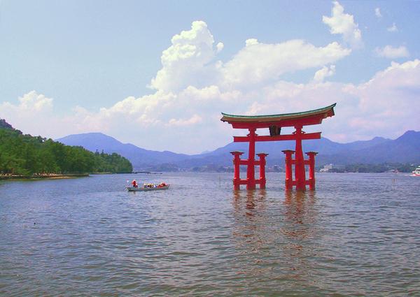 Itsukushima shinto shrine hatsukaichi japan tourist for Vater japones