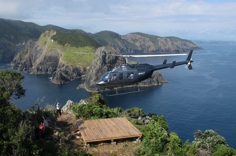 bay of islands and hole in the rock scenic helicopter tour. Black Bedroom Furniture Sets. Home Design Ideas